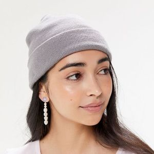 Urban outfitter grey hat never worn.
